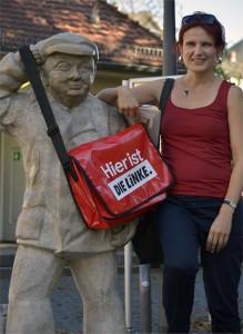 Katja-Kipping-in-Offenbachdie-Figur-ist-ein-Offenbacher-Symbol-Streichholzkarlchen-a31918567